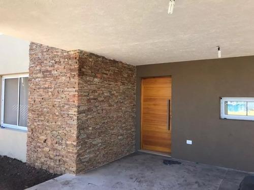 casa 3 ambientes barrio privado