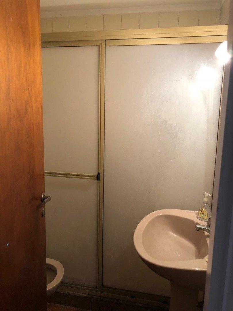 casa 3 ambientes con cochera en zona sarmiento en venta