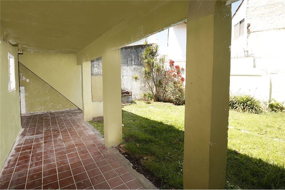 casa 3 ambientes con cochera jardin y terraza