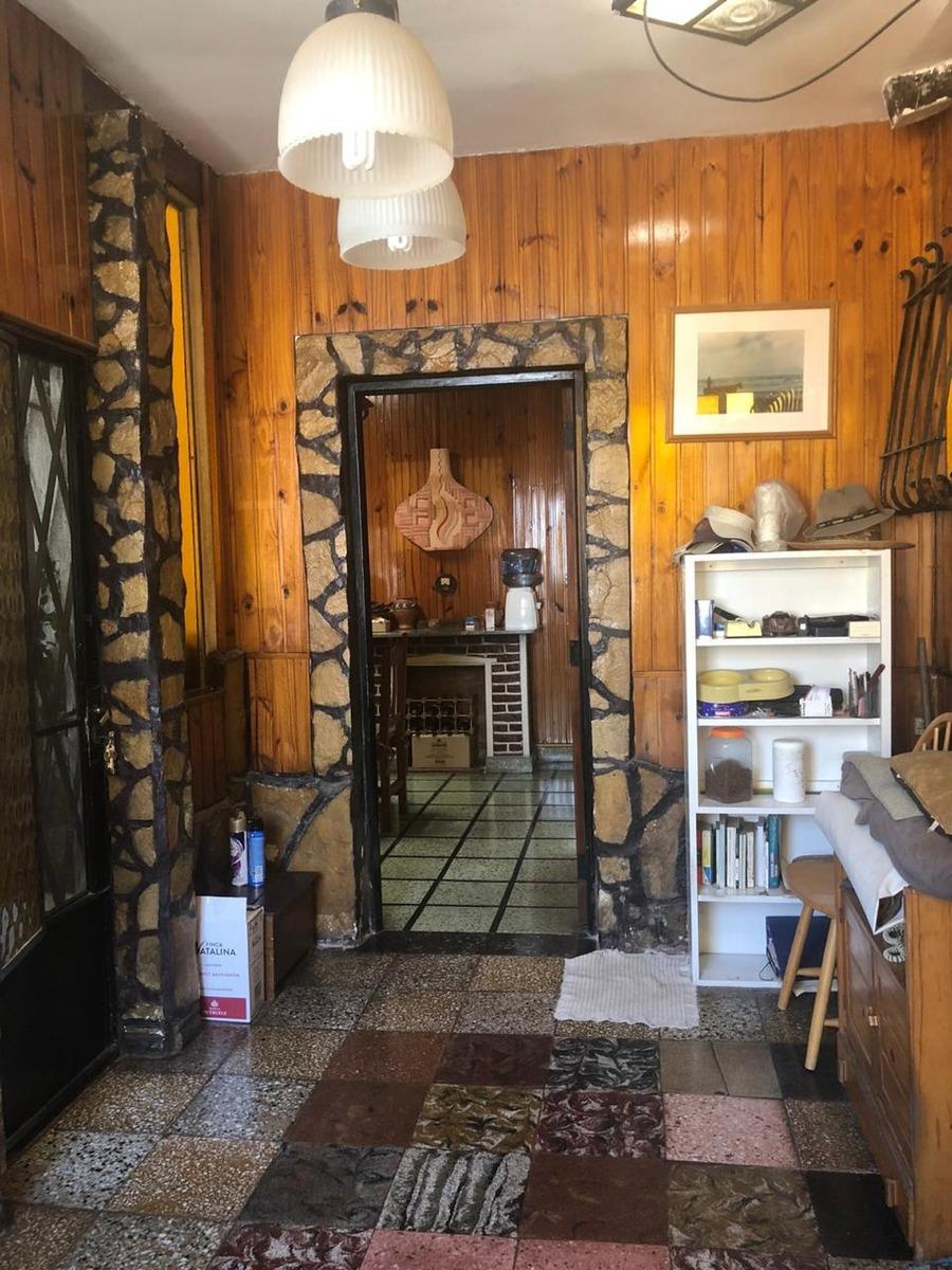 casa 3 ambientes con depto independiente y dos cocheras