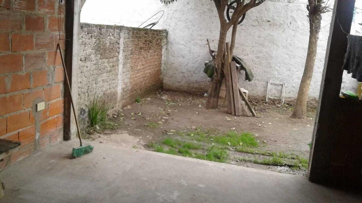 casa 3 ambientes con dos cocheras, patio, terraza