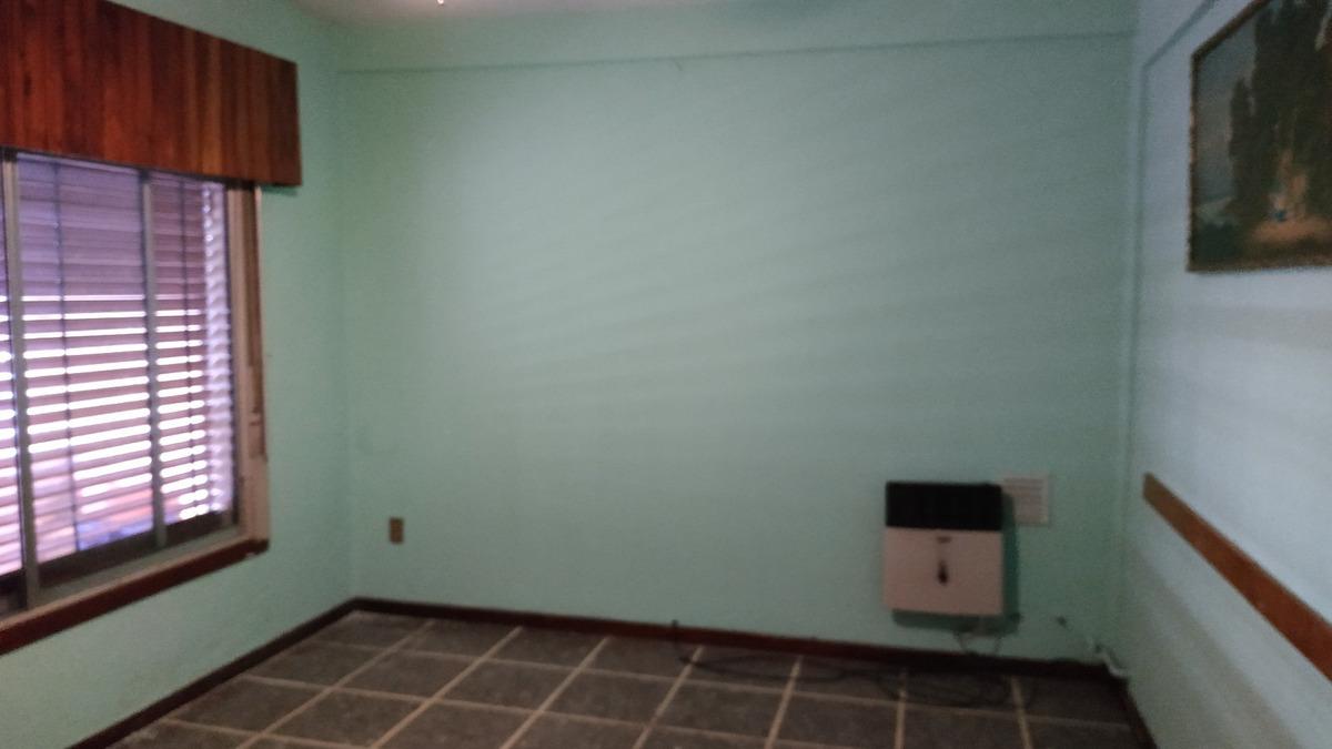 casa 3 ambientes con galpon