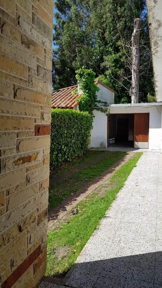 casa 3 ambientes con gran parque