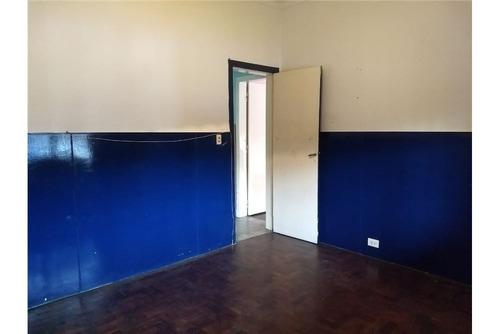 casa 3 ambientes con parque - apto crédito.