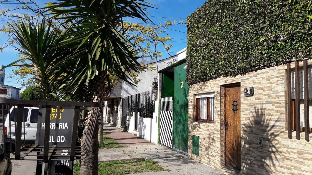 casa 3 ambientes con parque y garage para 2 autos