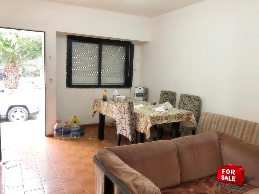 casa 3 ambientes con patio y terraza sobre lote propio