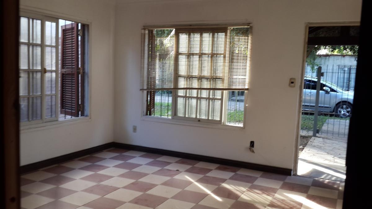 casa 3 ambientes con quincho - villa gobernador udaondo-ituzaingo