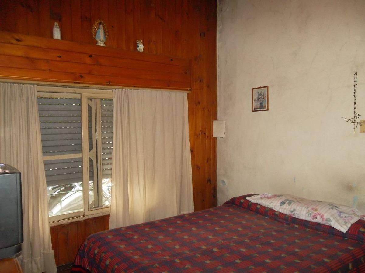 casa 3 ambientes + dpto en planta alta 2 amb, j. l. suarez