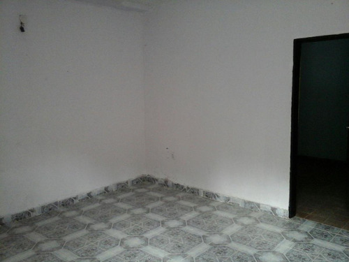 casa 3 ambientes en alquiler