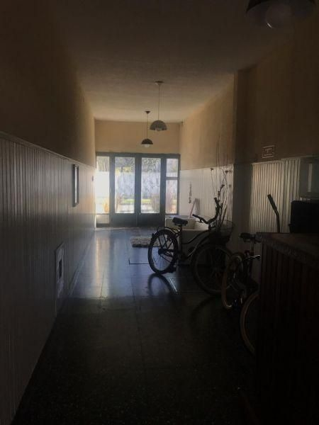 casa 3 ambientes en castelar