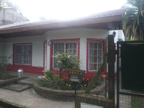 casa 3 ambientes en centro moreno calle ituzaingo