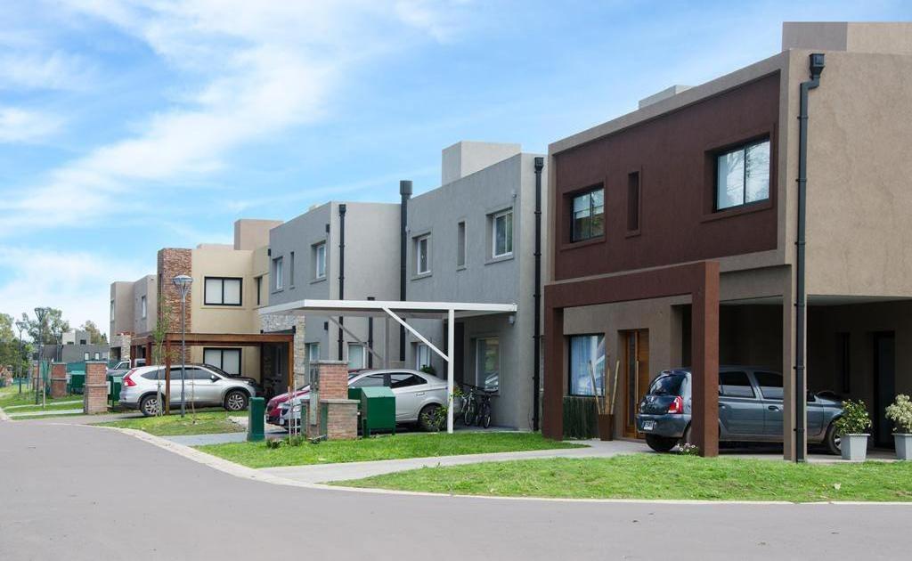 casa 3 ambientes en venta en maria eugenia residences and village