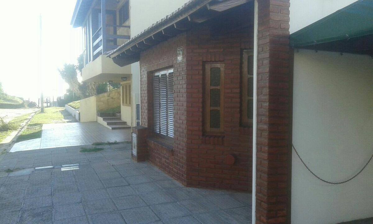 casa 3 ambientes planta baja con cochera venta  costa azul