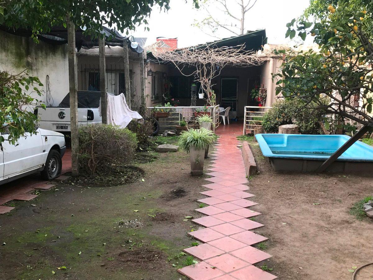 casa 3 ambientes s/lote 10 x 30 mts. a reciclar !!!