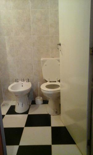 casa 3 ambientes totalmente equipada.-