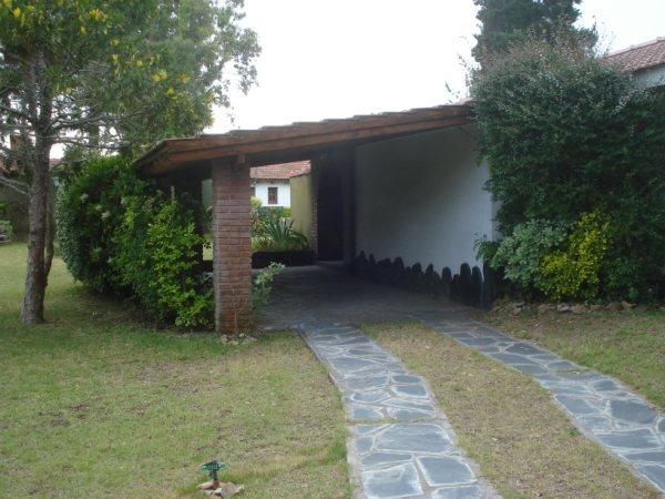 casa 3 ambientes y 2 baños mar del tuyu
