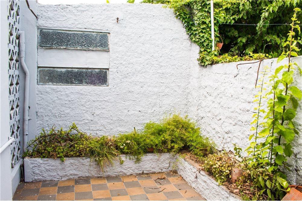 casa 3 amb.,merlo,jardin,cochera,patio,parrilla