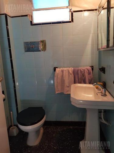 casa 3 dorm, 2 baños, 2 cocinas, entrada auto!