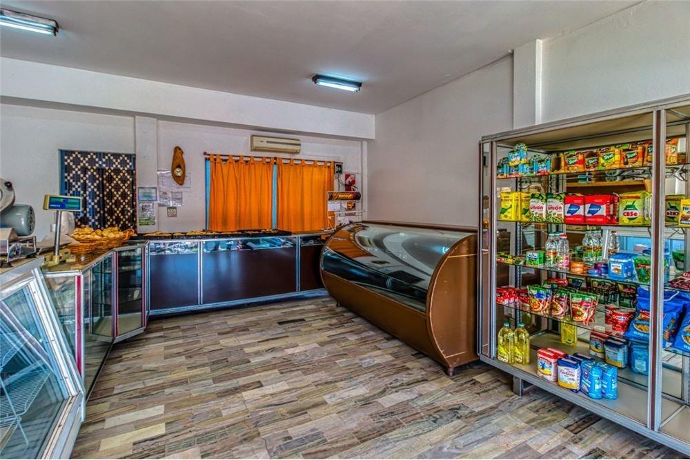 casa 3 dorm+cuadra panaderia+local completo.