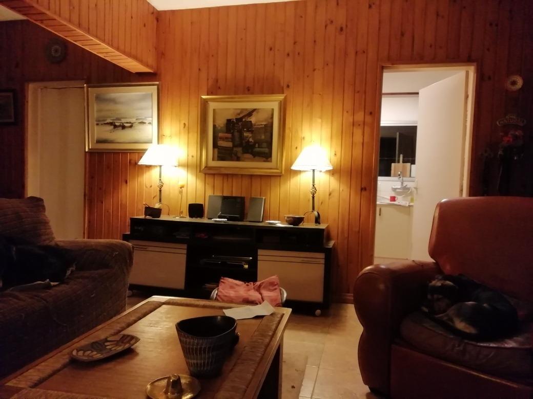 casa 3 dormitorios 2 baños, apto servicio, a 500m del mar