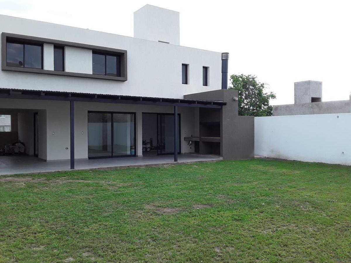 casa 3 dormitorios - 3 baños - comarca de allende - córdoba
