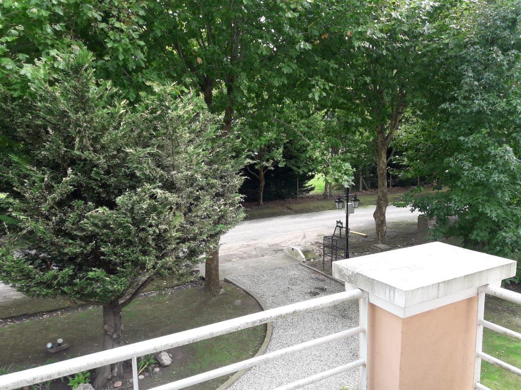 casa 3 dormitorios con salida a la laguna privada  - haras del sur