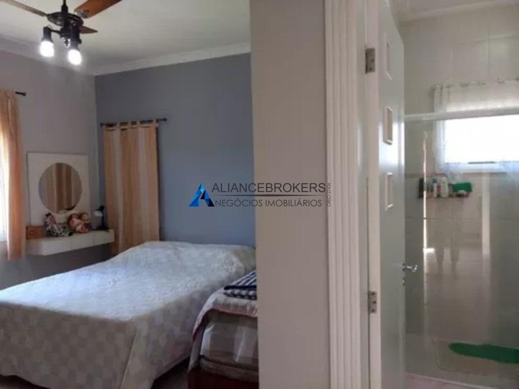 casa 3 dormitórios, condomínio vivendas do japi com 300m², área total de 1.300 m². - ca01299 - 33814858