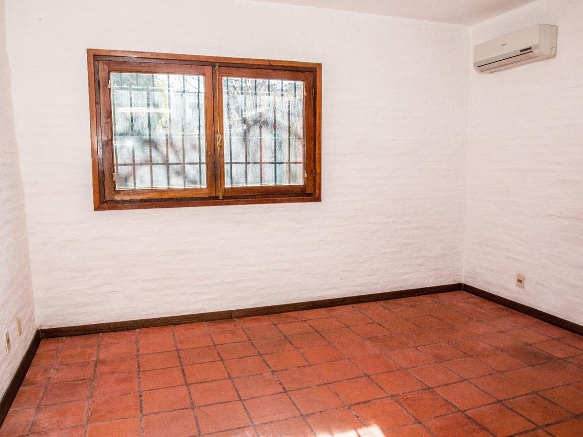 casa 3 dormitorios en venta en carrasco ref.: 7264