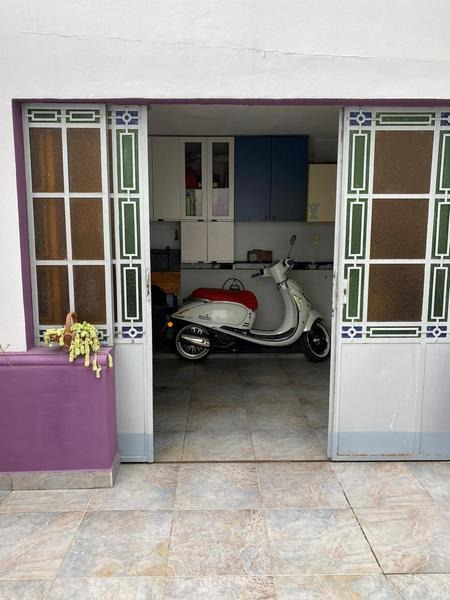 casa  3 dormitorios, garage,   patio parquizado - arroyito río