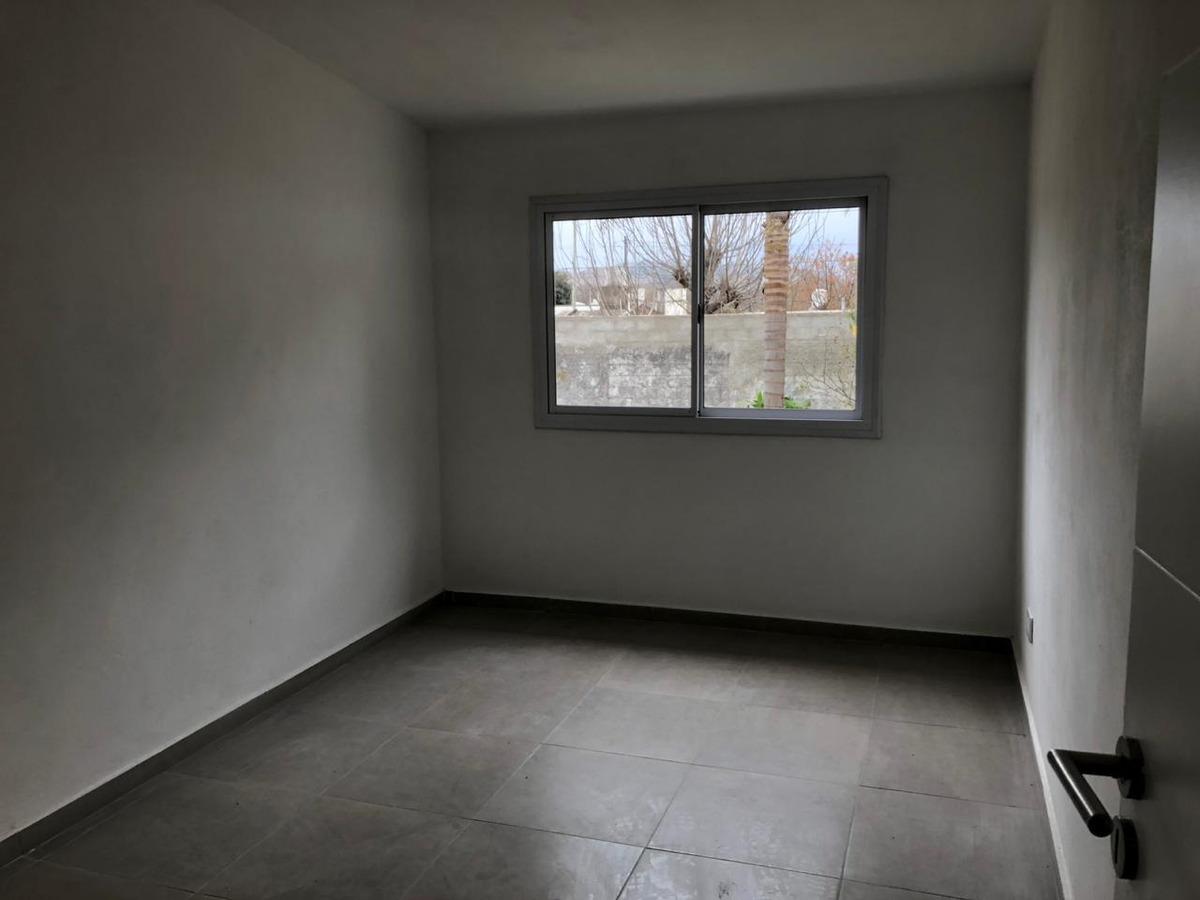 casa 3 dormitorios - la calera- b° industrial