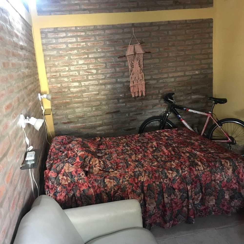casa 3 dormitorios, mas 2 deptos becciu villa carlos paz
