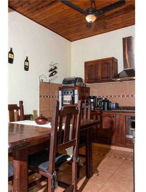 casa - 3 dormitorios, patio y quincho