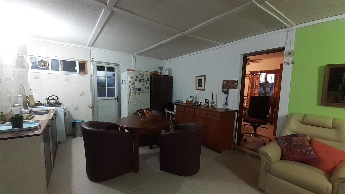 casa 3 dormitorios - vendo o permuto por mejor ubicación