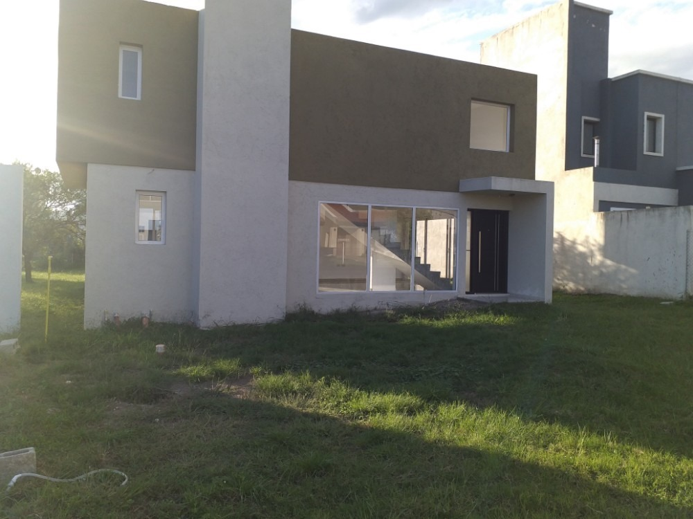 casa 3 dormitorios villa catalina - a estrenar - sobre e 53