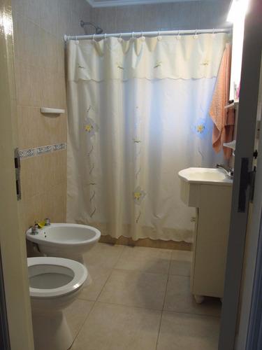 casa 3 dormitorios y 2 baños en una planta 3 cuadras de mar