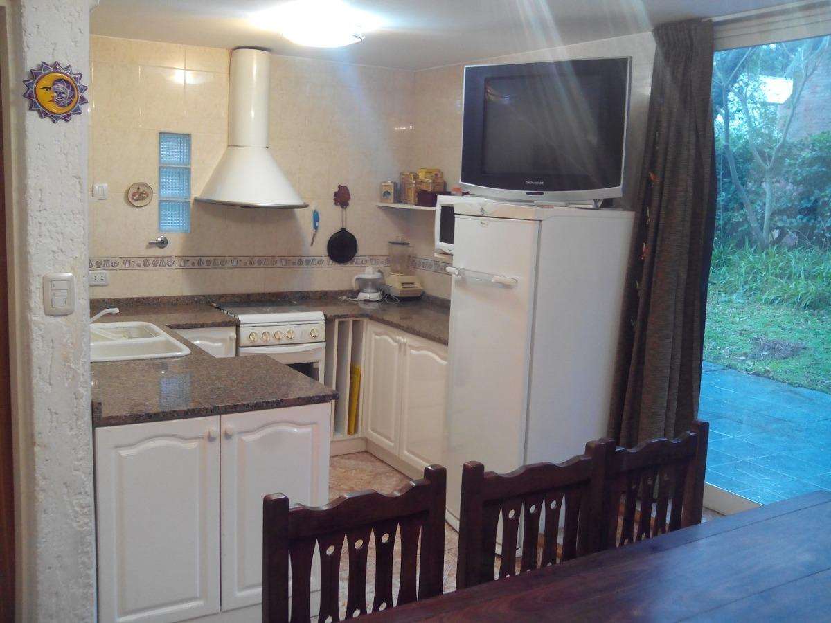 casa 3 habitaciones, 2 baños. capacidad 8 personas