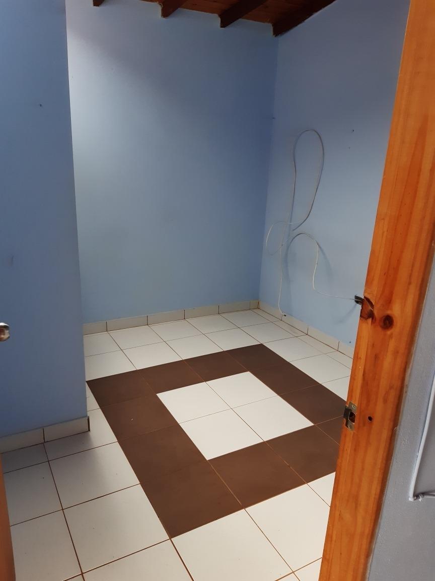 casa 3 habitaciones, baño, sala,cocina, comedor, 70 metros