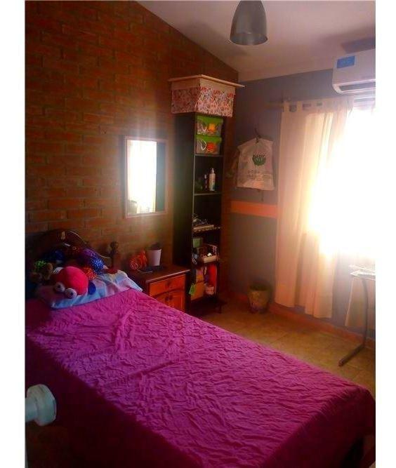 casa 3 habitaciones quincho, pileta b° 20 de junio