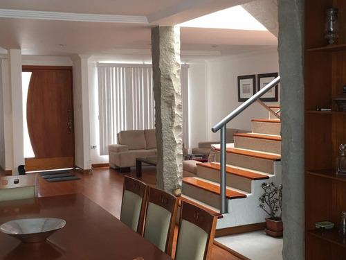 casa 3 habitaciones salas amplias. remodela recientemente