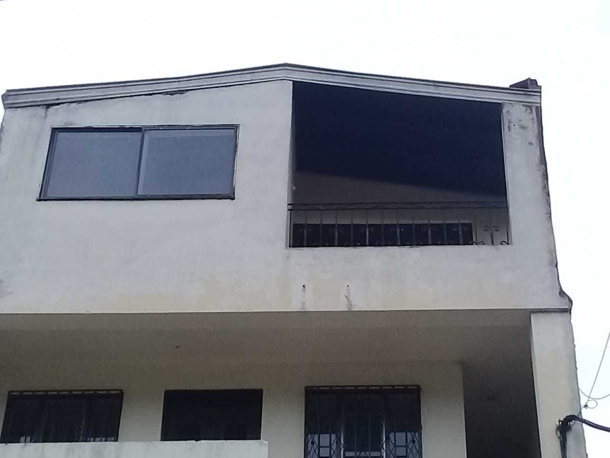 casa 3 habtaciones, 2 baños, patio, balcon
