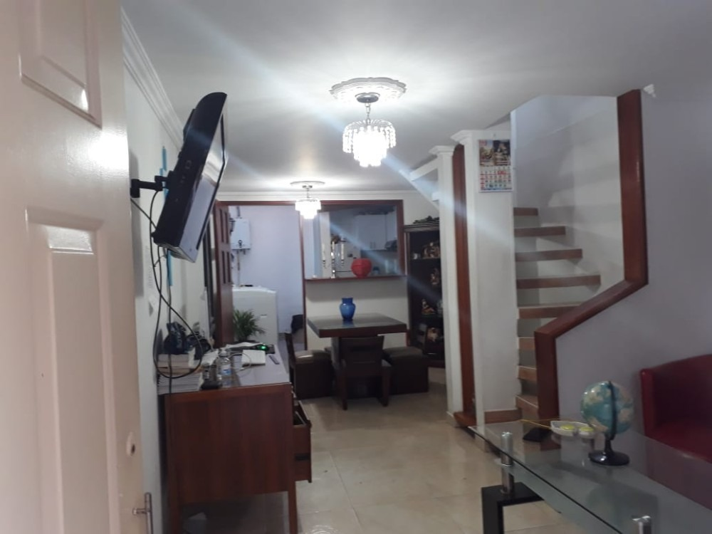 casa 3 niveles , 4 alcobas, 1 altillo, balcon,