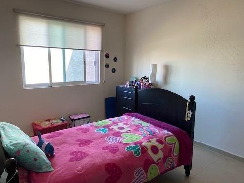 casa 3 niveles, 4 rec. 3.5 baños, estudio, sala tv, roof gar