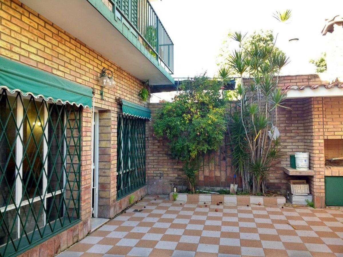 casa, 3 ó 4 dormitorios. suite. cochera. patio. rosario