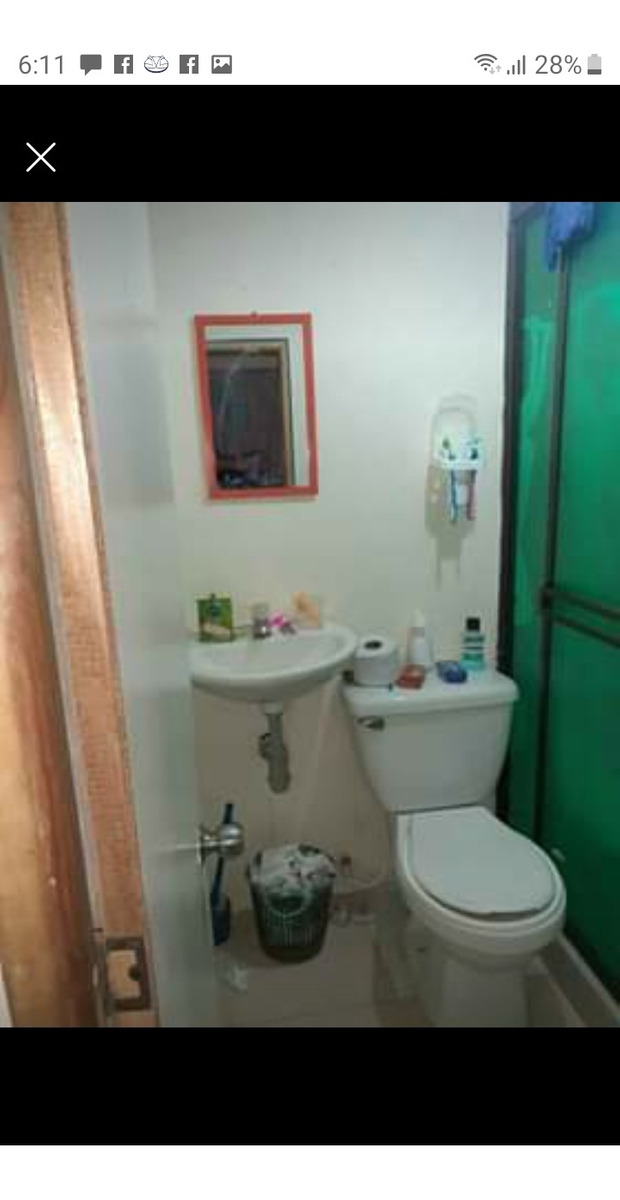casa 3 pisos 4 habitaciones y 2 baños