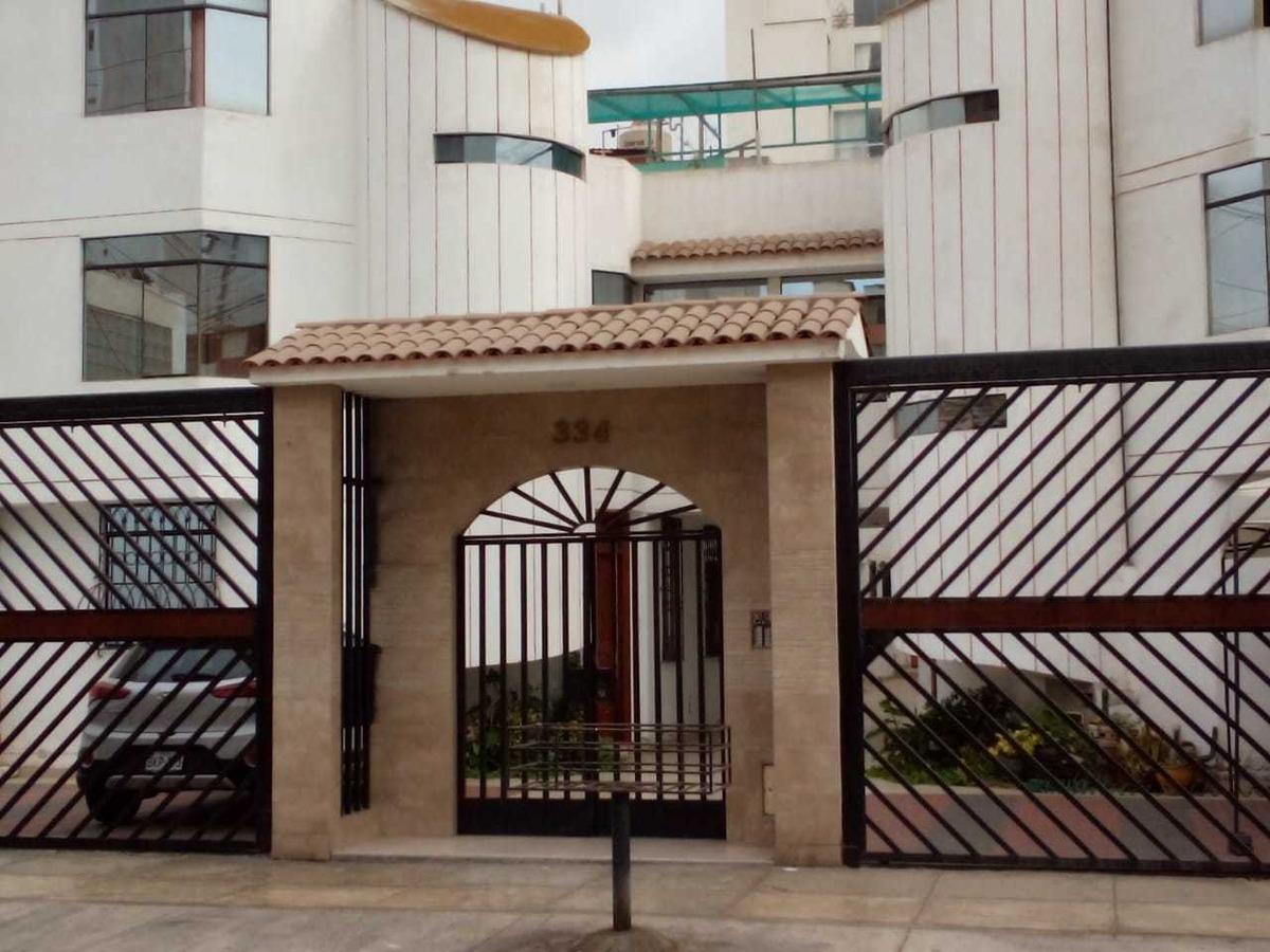 casa 3 pisos en condominio diseño original. 150 m2