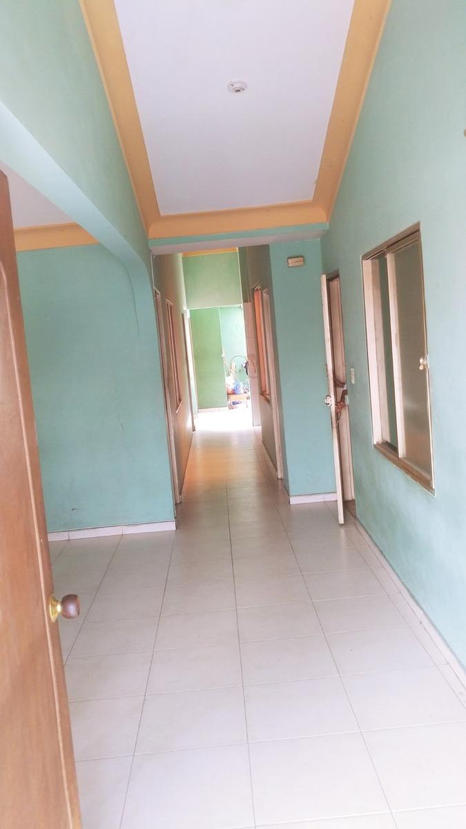 casa 3 pisos individuales con 3 habitaciones en cada piso