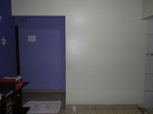 casa 3 qts 1 suite, próximo a br 070.