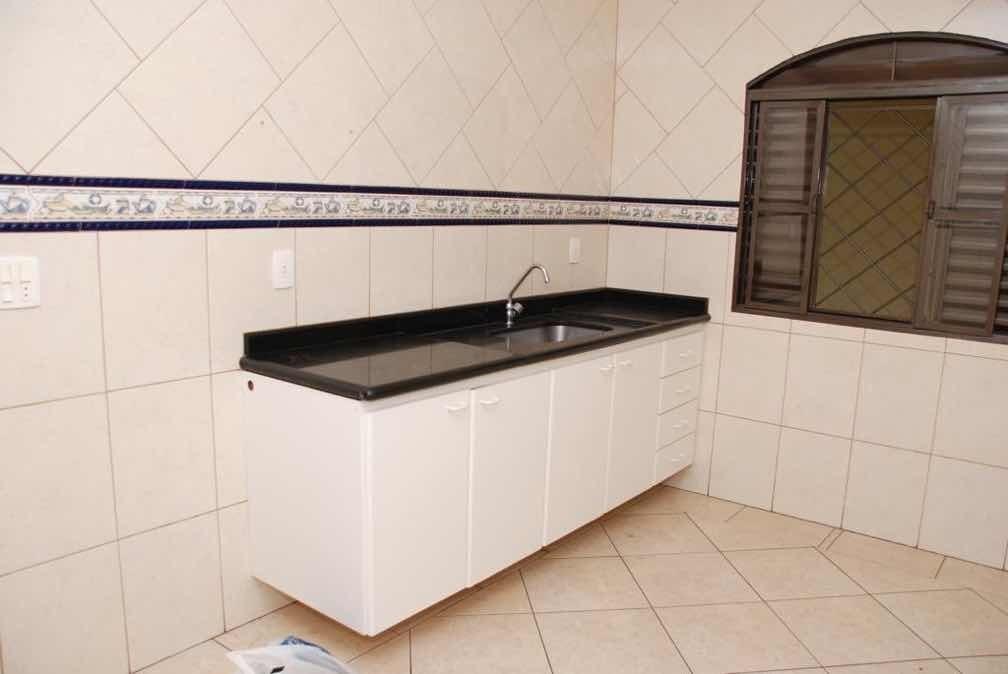 casa 3 quarto 1 suíte mais 1 banheiro