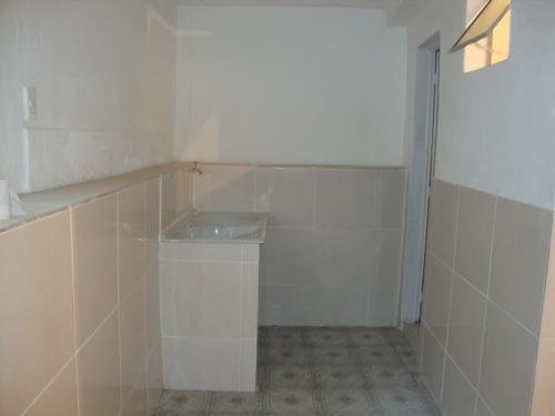 casa 3 quartos com ótima área - 200