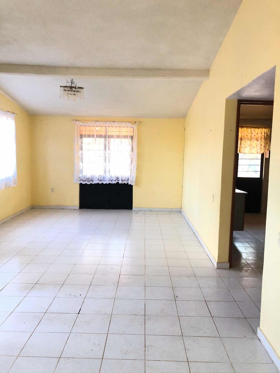 casa 3 recamaras 2 baños sala comedor espacioso jardín
